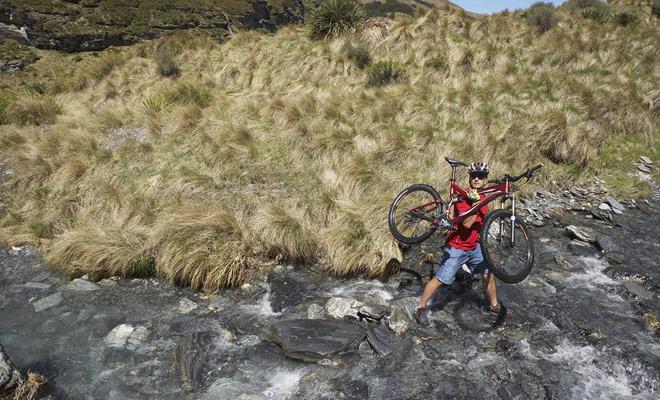 El ciclismo de montaña no es más peligroso en Nueva Zelanda que en cualquier otro país del mundo. Sólo tienes que estudiar el curso con suficiente antelación.