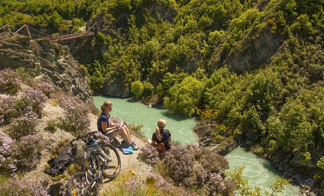 Senderos que no están sobrepoblados, paisajes de ensueño, y un clima ideal para pedal sin sufrir el calor. El ciclismo de montaña en Nueva Zelanda tiene grandes ventajas.