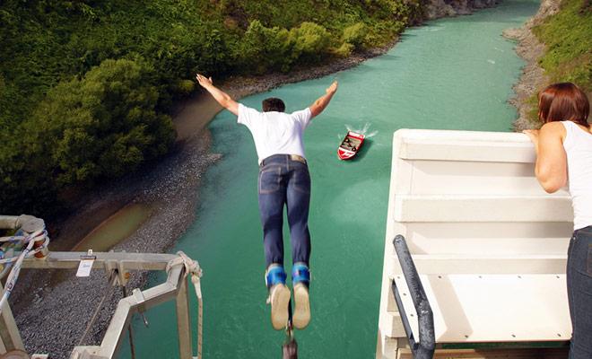 Originalmente una pequeña ciudad de spa, Hanmer Springs ofrece más y más actividades sensacionales, entre los que jetboat y bungy jumping son los mejores. Si desea hacer un salto en el vacío, tendrá que ponerse en contacto con Threelseekers.