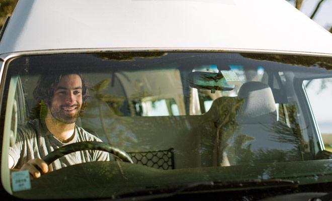 Non c'è motivo particolare di temere di guidare un camper in Nuova Zelanda. Naturalmente devi abituare a guidare a sinistra, ma il basso traffico sulle strade del paese svolge a tuo favore.