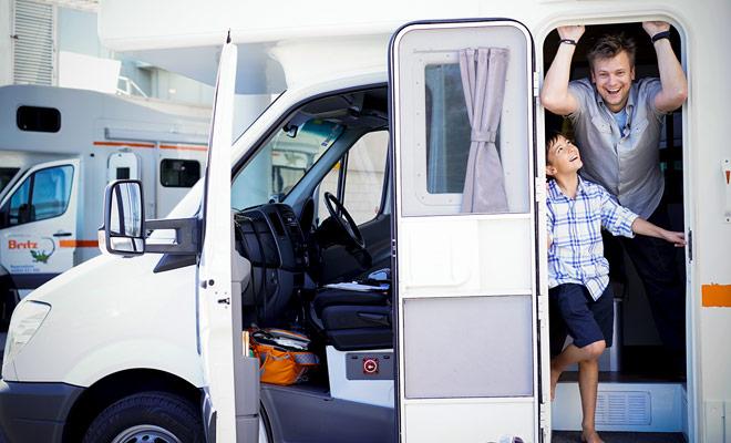 Il posizionamento del camper a bordo del traghetto consente di risparmiare tempo. Non perdete tempo per cambiare veicolo e conserverai le tue abitudini senza dover spostare tutte le tue cose.