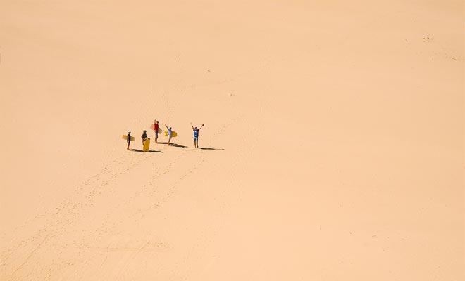 Nueva Zelanda es todo menos un país desierto, pero hay grandes dunas en el extremo norte. Otro ejemplo de la variedad de paisajes del país.