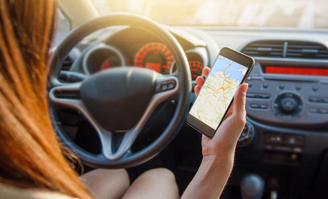 Gebruik alleen de GPS van uw smartphone als u de kaart van het land hebt gedownload. Anders zal u uw credits onmiddellijk verbranden.