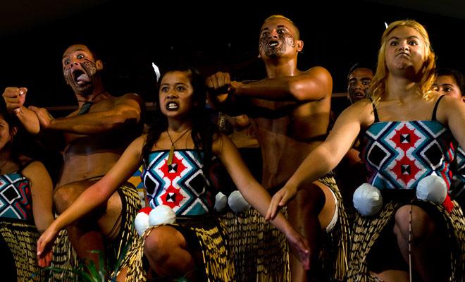 Maoris actuaciones pueden ser demasiado formateado para el público en general y no son esenciales si usted toma tiempo para visitar un gran museo como Te Papa en Wellington.