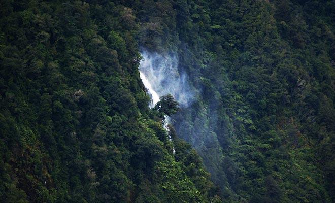 Helena Falls is een van de mooiste watervallen in de Doubtful Sound.