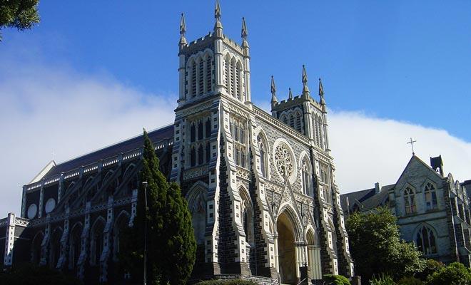 La Catedral de San José está abierta al público y la visita es gratuita.