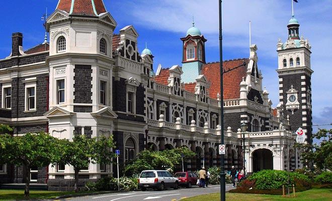 El arquitecto de la Estación Central fue apodado George Gingerbread por los lugareños. Hay que decir que su construcción más famosa es un poco original, pero perfectamente proporcionada.