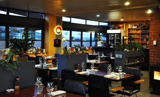 El Platón a menudo cambia su menú según las estaciones. Añada a esto un ajuste refinado y usted entenderá porqué el restaurante se coloca en la tapa de las guías gastronómicas de Dunedin.