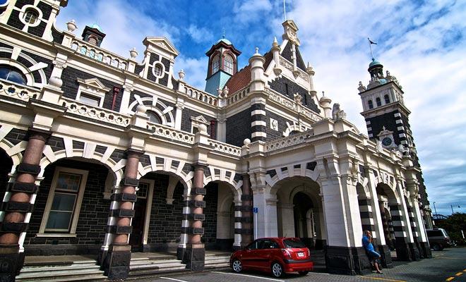 La estación de tren de Dunedin sólo alberga el ferrocarril Taieri Gorge. Las otras líneas han sido suspendidas con el tiempo.