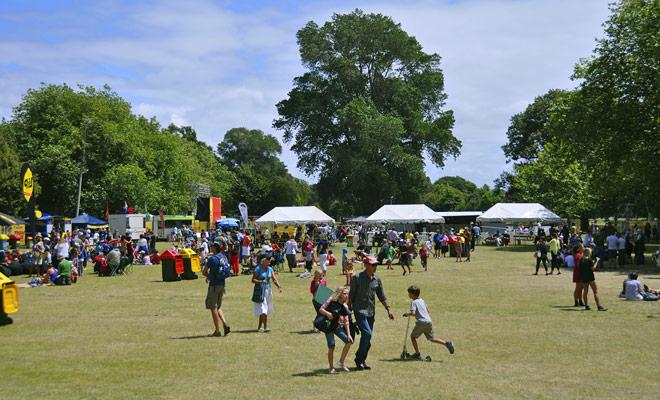 No hay, estrictamente hablando, una temporada para festivales en Nueva Zelanda, incluso si los días hermosos anfitrión grandes eventos al aire libre como conciertos. Cualquiera que sea el período que viaje, ciertamente hay un festival para asistir.