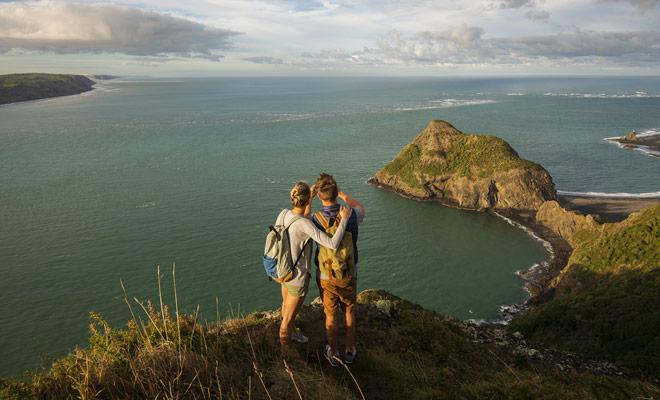 Es posible visitar Nueva Zelanda sin hacer senderismo, pero los paisajes más bellos del país merecen y justifican unas pocas horas de caminata.