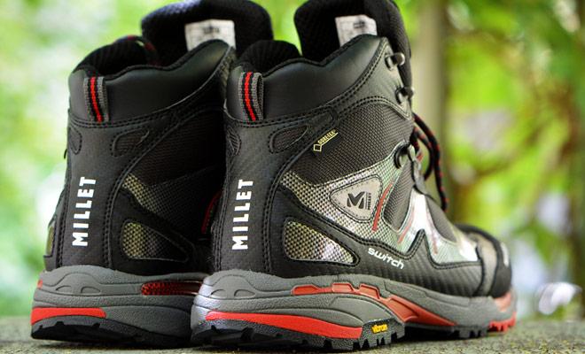 Si la bota de senderismo puede doblarse fácilmente en la suela, es porque la suela es flexible y si no, es porque es rígida.