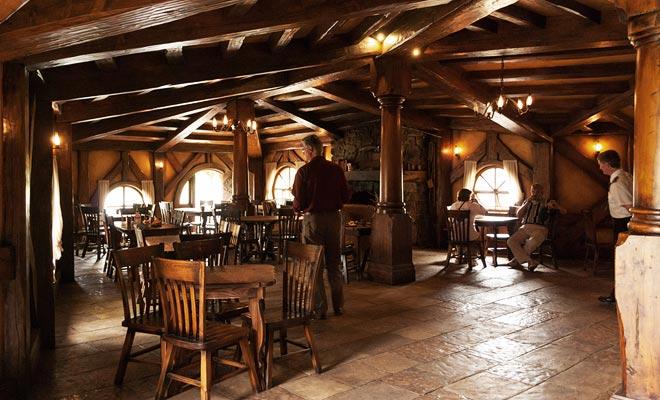 U kunt zelfs lunchen in de Green Dragon Inn. Maar de vrije tijd laat geen ruimte voor iets anders dan een club sandwich.