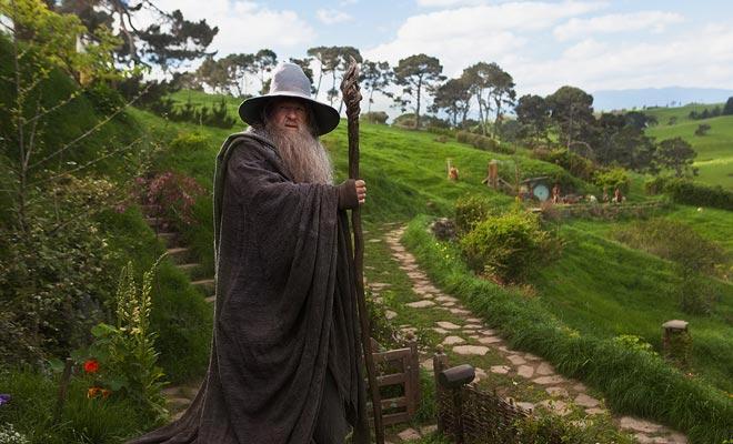 Acteur Ian McKellen neemt zijn rol terug van Gandalf voor de Hobbit-trilogische schot in Nieuw-Zeeland door Peter Jackson.