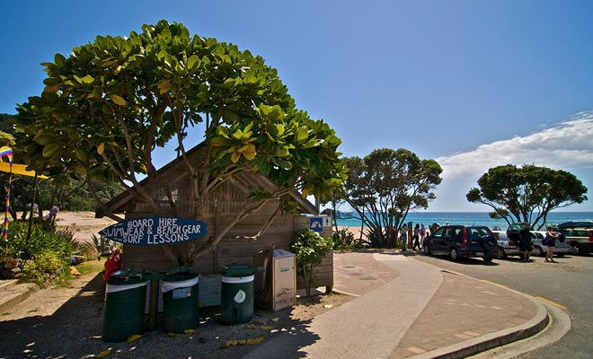 Hot Water Beach heeft een klein café bekend om zijn wortelcake. Maar pas op, er zal waarschijnlijk een wachtrij zijn in de zomer!