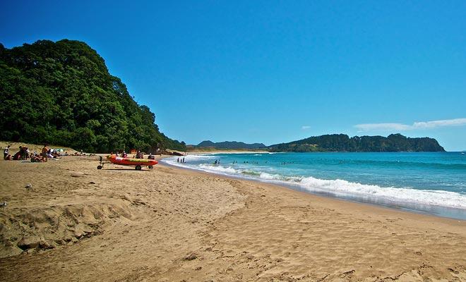 Se puede nadar en verano, siempre y cuando los nadadores estén presentes y respetando el perímetro autorizado.