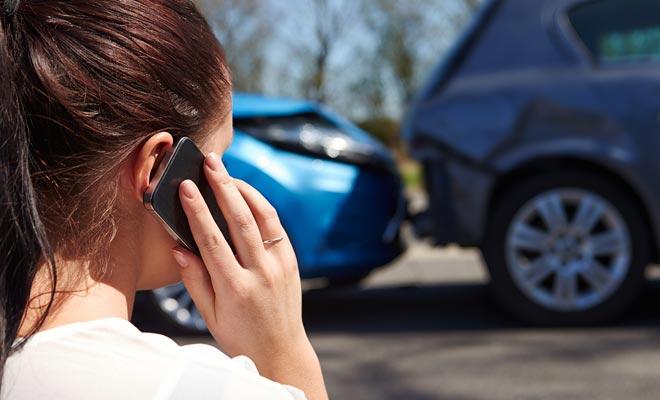 El ACC (Accident Compensation Corporation) es una organización que compensa a las víctimas de accidentes, incluso si son extranjeros. A cambio, las víctimas no pueden demandar a nadie por daños y perjuicios.