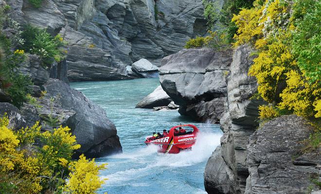 En el sitio del bookme, los descuentos pueden ser hasta el 80% en actividades pagadas tales como kayaking o saltar del paracaídas.