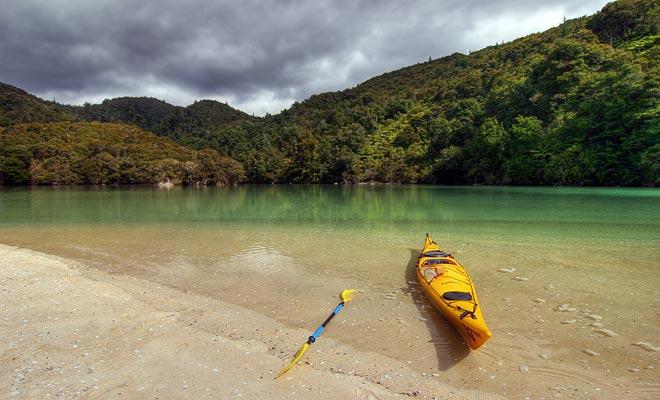 È più interessante affittare il tuo kayak per la giornata. Si noti che i kayak per un singolo passeggero sono rari.