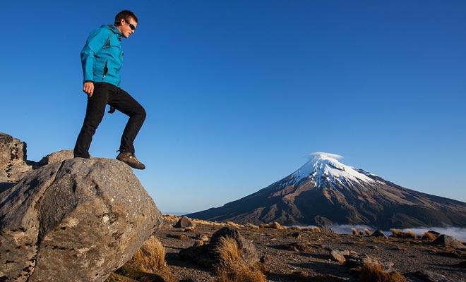 El viento sopla fuertemente en las montañas en las áreas abiertas. Usted puede resfriarse fácilmente si no ha proporcionado equipo adecuado.
