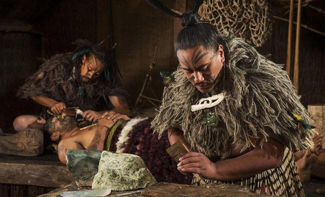 Sommigen zullen u vertellen over Te Puia, maar Kiwipal adviseert in plaats van het spektakel van het gereconstitueerde dorp Tamaki.