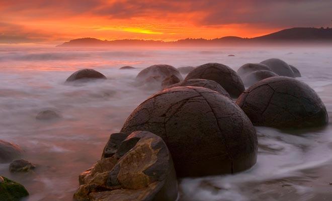 Is de oorsprong buitenaards? Wie weet ... Wat er zeker is, is dat vergelijkbare rotsformaties bestaan op planeet Mars.