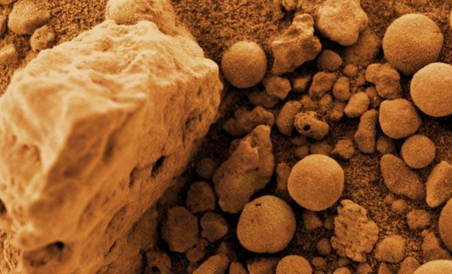 De blauwe bessen rotsen die op de planeet Mars werden gefotografeerd, zijn vreemd aan de Moeraki Boulders.