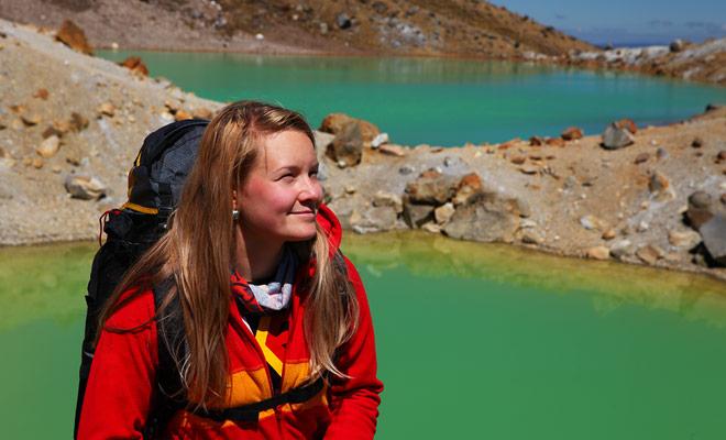 Om te werken bij Kiwipal, moet je Nieuw-Zeeland perfect kennen en vaak in het land zijn geweest. Om reizigers te adviseren, moet u eerder een reisiger zijn geweest en weten waar u het over hebt.