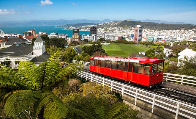 U kunt het hele jaar door Nieuw-Zeeland bezoeken. Elk seizoen heeft zijn voordelen, en zelfs de winter blijft een zeer interessante periode met gereduceerde prijzen en een zeer fatsoenlijk weer.