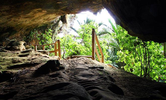 Om de grotten van Punakaiki te bezoeken, hebt u een zaklamp nodig, ook tijdens dagtijd.