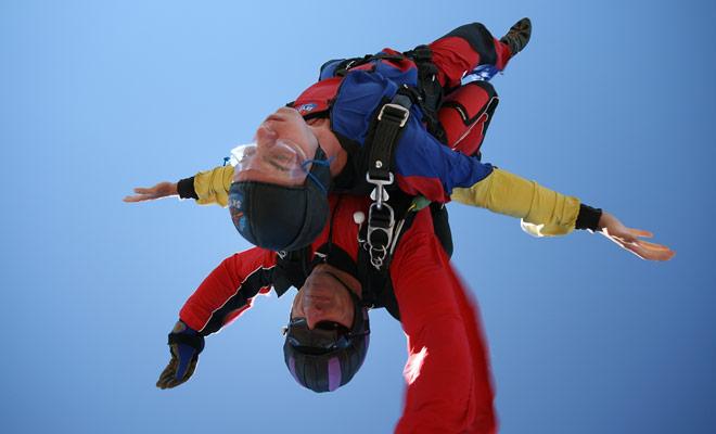 Het grootste voordeel van parachutespringen in Nieuw-Zeeland in vergelijking met sprongen in andere landen is de schoonheid van de landschappen die veel beter zijn!