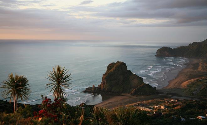 La lección de piano que ganó un premio en el Festival de Cannes fue filmada en la playa de Piha no lejos de Auckland.