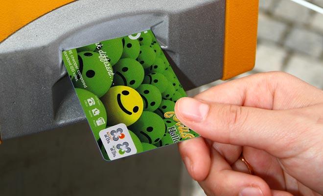 De 5 dollarkaarten zijn handig als u een paar lokale telefoongesprekken wilt maken. Het zal nodig zijn om kaarten te overwegen tegen 50 dollar om Europa een paar uur te bellen.