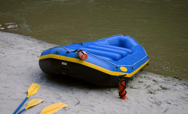 Rafting uitstapjes zijn meestal beschikbaar met drie moeilijkheidsgraden. Het eerste niveau omvat familie uitjes, de tweede is gericht op gemotiveerde beginners die witte waterversnellingen willen, en de derde is gericht op semi-pros publiek.
