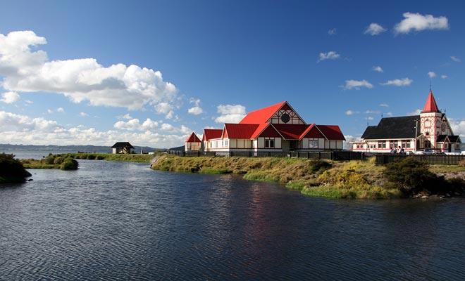 El Tamaekapua marae se puede visitar de forma gratuita cerca del lago Rotorua.