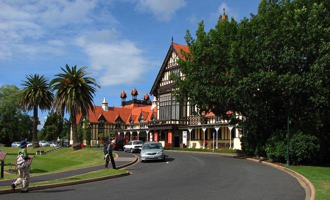 No se había construido una sección considerada para el proyecto inicial del Museo de Rotorua. El edificio desaparecido acaba de ser terminado y se utilizará para exposiciones temporales.