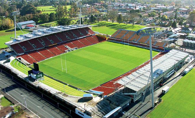 Si tiene que visitar Nueva Zelanda, trate de venir durante los meses de febrero o marzo para disfrutar de partidos de rugby.