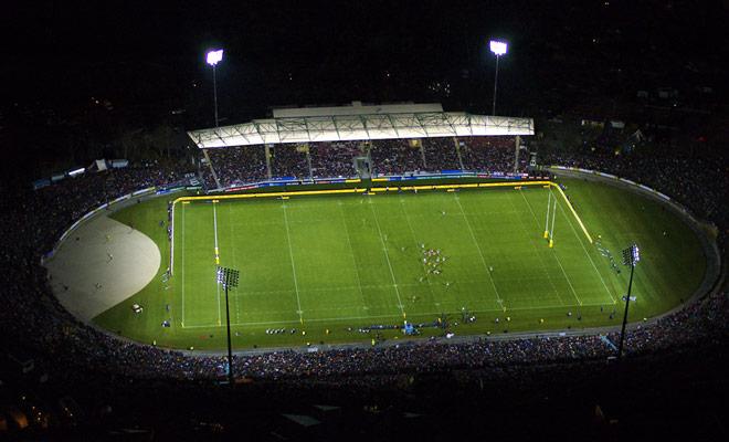 Los mejores jugadores del campeonato profesional son seleccionados en equipos jugando Super Rugby (ex Super 15).