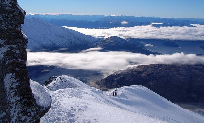 Si te gusta esquiar, puedes considerar quedarte en invierno. Los paisajes ofrecidos por los centros turísticos de Cardrona y Treble Cone son impresionantes!