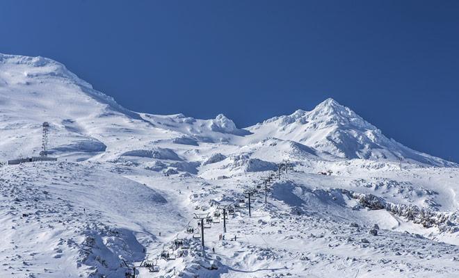 La estación de esquí de Turoa es uno de los dos complejos en Mount Ruapehu en la Isla Norte de Nueva Zelanda.