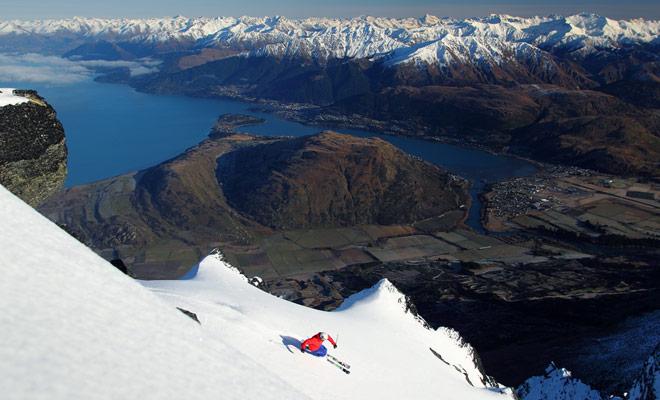 Las pistas de esquí de país son reconocidos en todo el mundo y los equipos nacionales a menudo vienen a entrenar en las pistas de centros turísticos como Treble Cone.