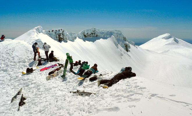 El complejo de Mount Taranaki ofrece los paquetes más baratos del país, porque el complejo es pequeño y sus pistas de un nivel formidable. Si eres un buen esquiador, ¡has encontrado tu felicidad!