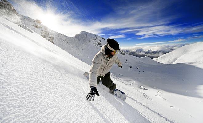 Si usted está visitando Nueva Zelanda por segunda vez, es posible que desee probar nuevas actividades. ¿Por qué no considerar venir en junio para esquiar?