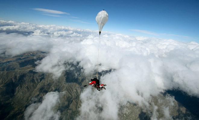 Parachutespringen is duur in alle landen van de wereld en Nieuw-Zeeland is geen uitzondering op de regel!