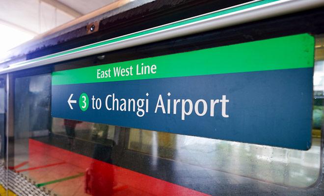 El metro de Singapur (MRT) cubre la mayor parte de la ciudad y las áreas turísticas que pueden interesarte durante tu escala antes de Nueva Zelandia.