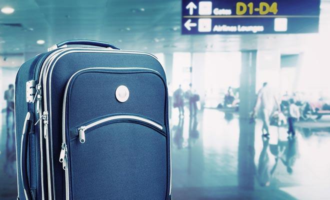 No hay razón para tomar más de una bolsa por persona. Tenga en cuenta que a menudo tendrá que mover su equipaje (especialmente si viaja en coche). Las maletas pesadas son una tarea que usted debe evitar en vacaciones.