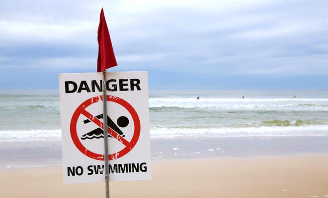Sommige stranden lijken ideaal om te surfen, maar als het zwemmen is verboden, is het zeker te danken aan sterke stromingen.
