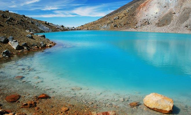 Een maori-ontdekkingsreiziger ontdekte dit meer in 1750. Het heilige karakter (tapu) houdt in dat er geen regels in de buurt zijn om te eten.
