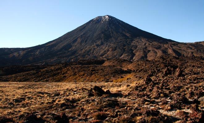 Met zijn vulkanisch landschap is het heel natuurlijk dat de Tongariro werd gekozen om het grondgebied van Sauron te vertegenwoordigen in de Lord of the Rings of Peter Jackson.