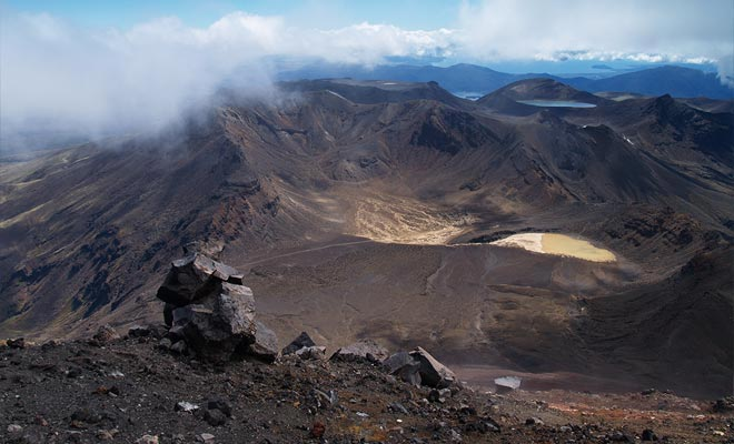 De South Crater biedt een verwoestend landschap zo indrukwekkend als het eng is.
